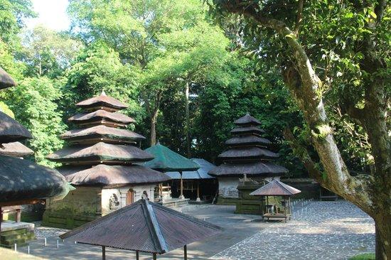 Alas Kedaton: Temple