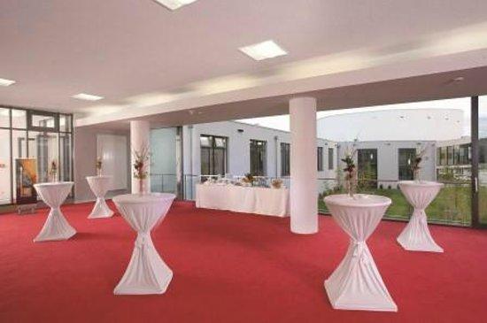 The Monarch Hotel: Convention Center - Wintergarten
