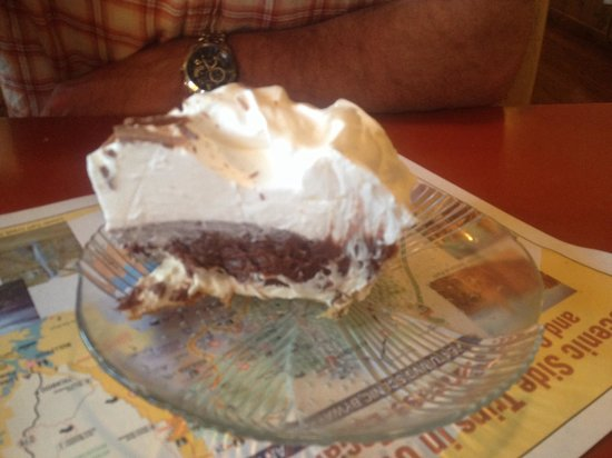 Bryce Canyon Pines: This Chocolate Cream pie was heaven on a plate! I had the peach pie, which was good, but persona