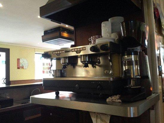 Chez Herve: Café