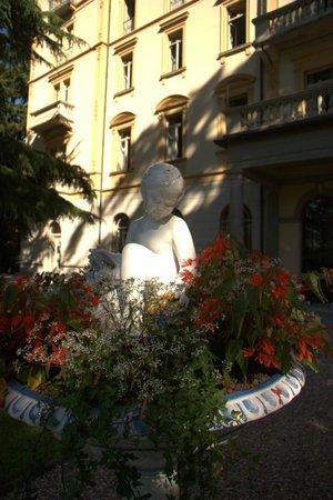 Grand Hotel Victoria: Detail der Parkanlage