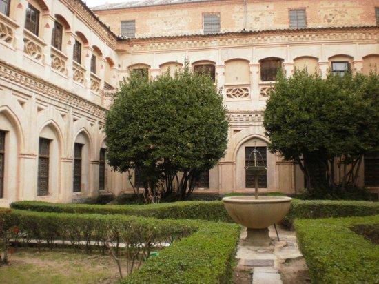 Monasterio de San Antonio El Real: uno de los 4 claustro que tiene el convento