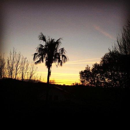 Auberge Basque : Vue du lever de soleil, chambre façade ancienne