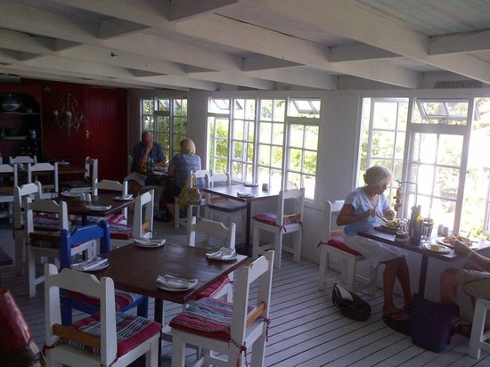 Blue Goose: Inside overlooking the garden