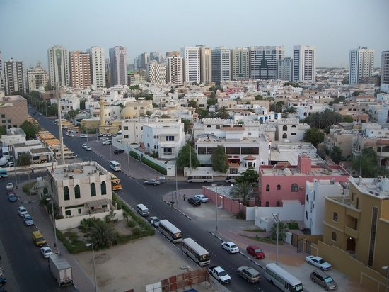 Mourouj Hotel Apartments: Abu Dhabi from my apartment
