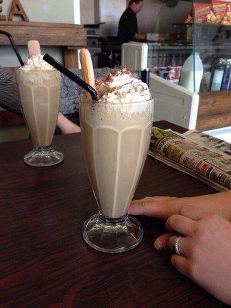 The Cookhouse Cafe: Tiramisu milkshake :)