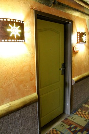 Kalahari Resorts & Conventions: our door to our room