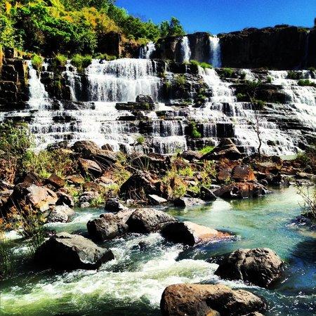 Pongour Falls: Imposing place