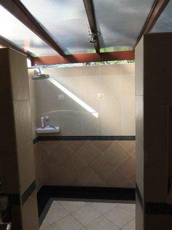 Promtsuk Buri: Badezimmer