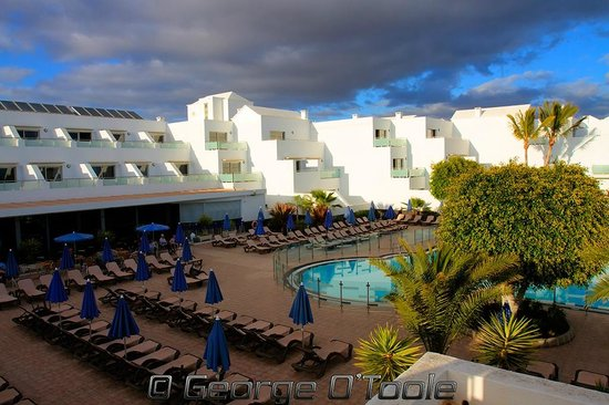 Hotel Lanzarote Village: The view of the hotel from our room.