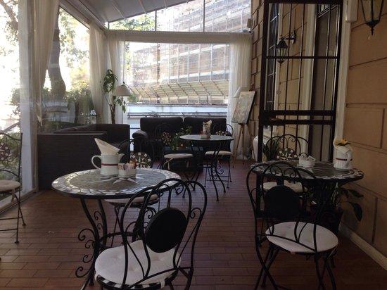 Villa Pirandello: Terrasse zum Frühstück & relaxen