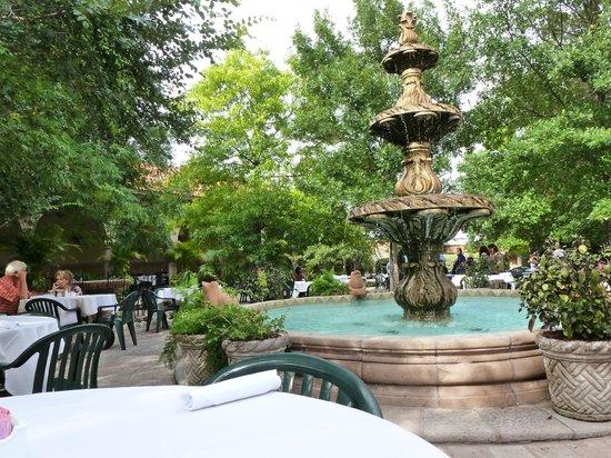 Joe T Garcia's Mexican Restaurant: Il ristorante dall'interno!