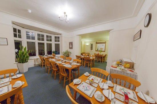 Gatwick Turret Guest House: breakfast area