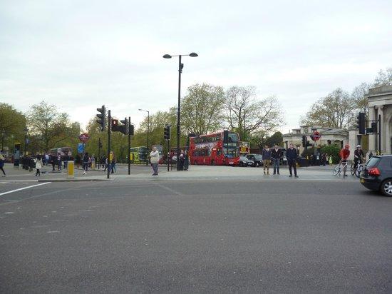 Fat Tire Bike Tours - London: A London bus