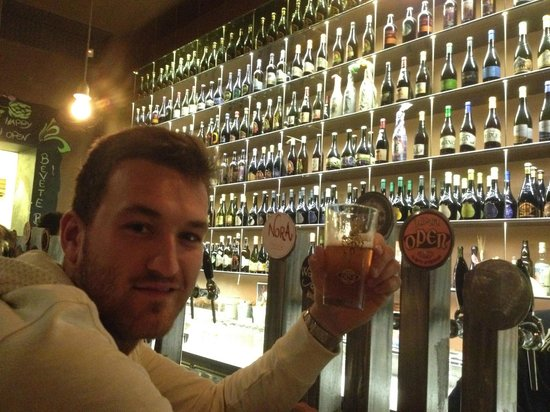 Open Baladin : rafel at the bar