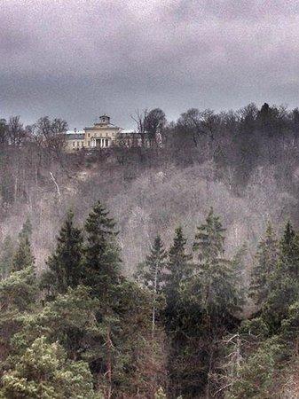 Latvian Tour Guides Tours: Krimulda Castle