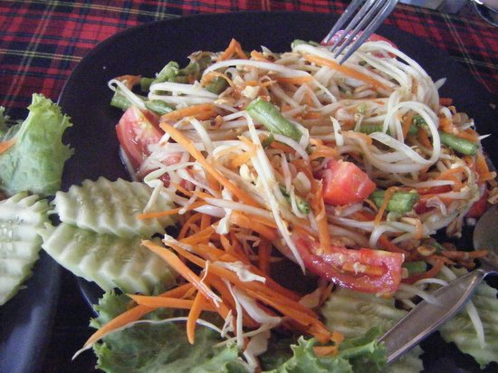 Krua Kritsana: supposed to be papaya salad with 5-6 chilis. clearly just shredded papaya