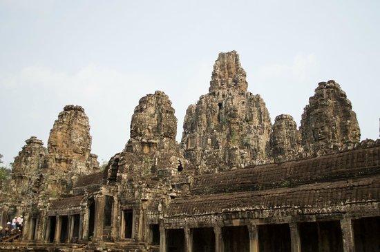 Bayon (Angkor) : View of the temple
