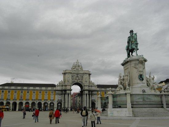 Praça do Comércio (Terreiro do Paço) : statua equestre e arco