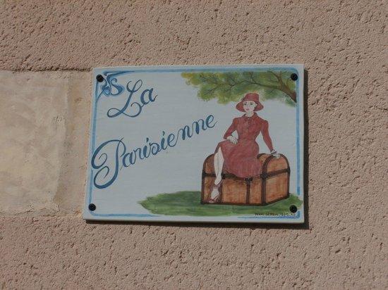 La Parisienne des Amognes: Notre plaque de maison