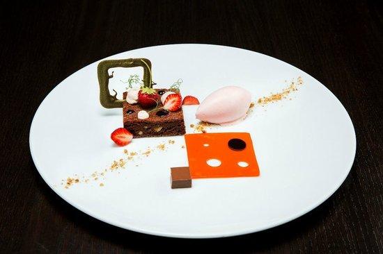 TIAN Experience Taste: Erdbeer-Couer de Guanaja Schokolade © Jürgen Hammerschmid