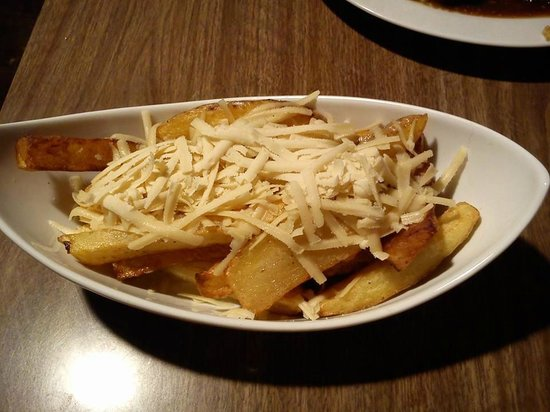 Calf Sanctuary Cafe: Cheesy chips (I've been craving more of these since I had them!)