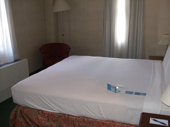 NH New York Jolly Madison Towers: upgraded room