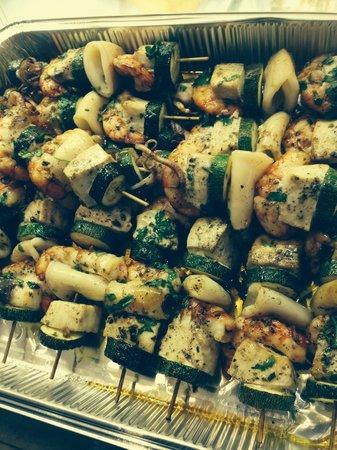 Al Tortellino: Spiedini di pesce...scampi calamari e spada
