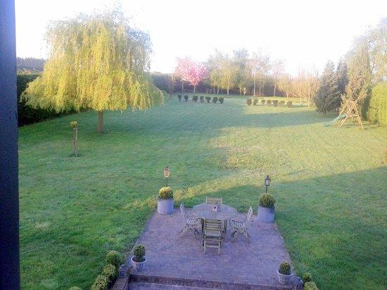 La Parenthese: Jardin posterior
