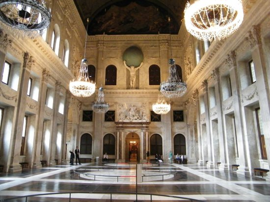 Paleis op de Dam (Königlicher Palast): In the main hall