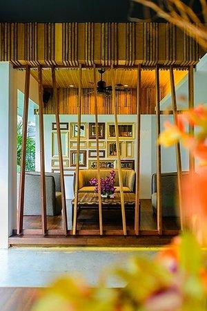 UMA Residence: Lobby
