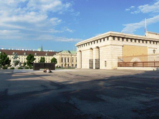 Ringstrasse : Burgtor zum Heldenplatz