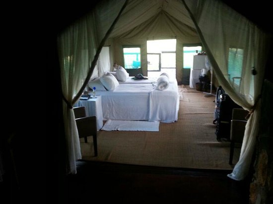 Eagle Tented Lodge & Spa: Zelt mit Doppelbett