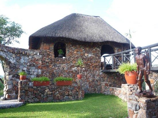 Eagle Tented Lodge & Spa: Bargebäude