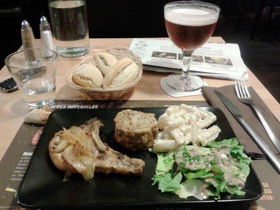 Soul kitchen : Plato del dia _ costilla porc con pastel patata / esparragos