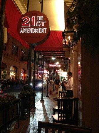 Hotel Mazarin: 21st Amendment Bar great cocktails & Music