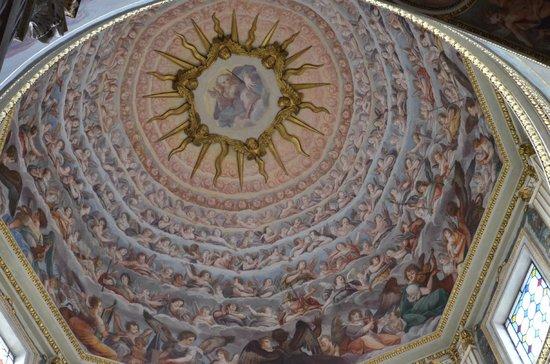 Interno cupola foto di duomo cattedrale di san pietro for Interno san pietro
