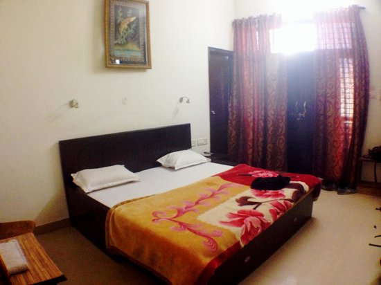 Sai Home Stay: Our room directly above the dining room