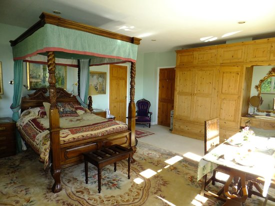 Bankywood B&B: Four Poster Suite