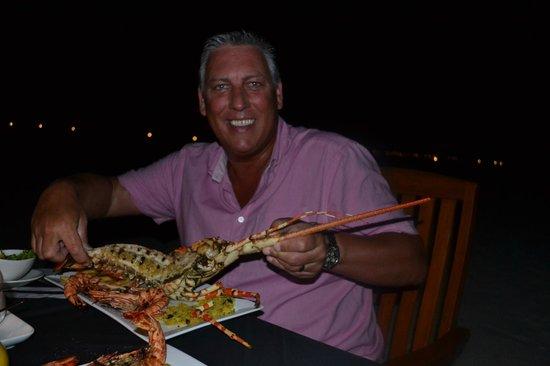 Veligandu Island Resort & Spa: 1.8 Kilo Lobster...they had bigger available !