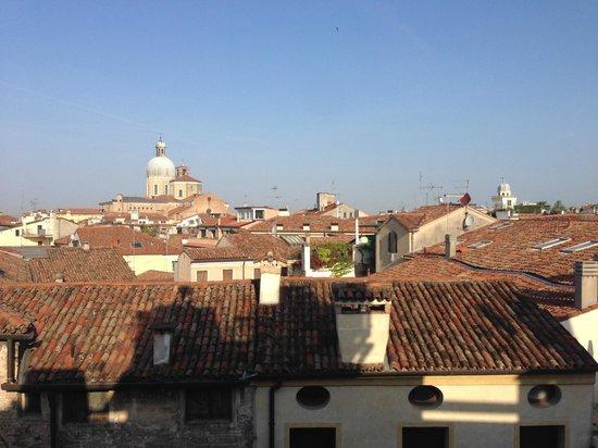 Majestic Hotel Toscanelli : Вид из окна