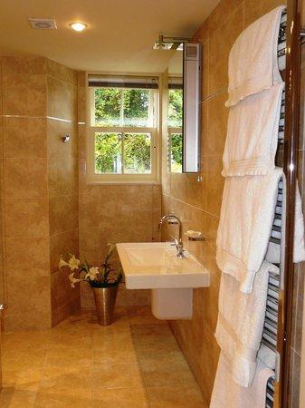 Annesdale House: Elleray bathroom