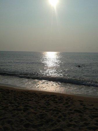 Nicotera Beach Village: la spiaggia al  tramonto