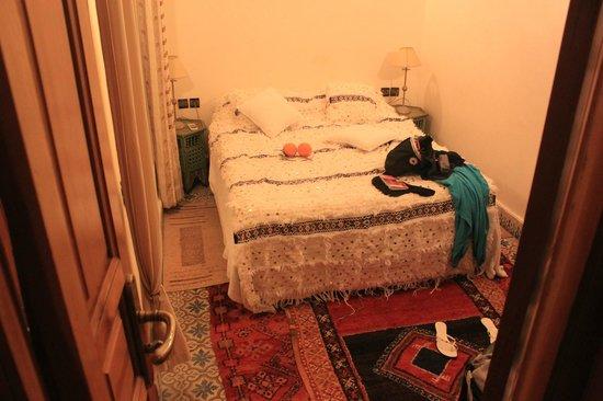 Riad Zayane Atlas : une cellule 10 m2 humide froide sombre bruyante inconfortable