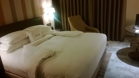 DoubleTree by Hilton Sukhumvit Bangkok: Room deluxe o guest room??