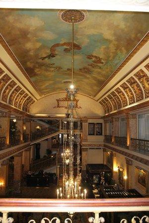 The Pfister Hotel: Beautiful!