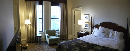 The Pfister Hotel: Our King Suite