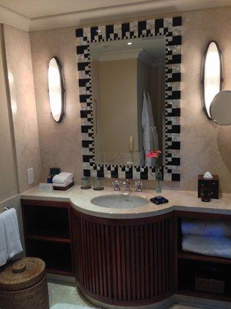 The Oberoi, Mauritius: bathroom