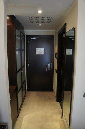IH Hotels Milano Watt 13 : Entrée