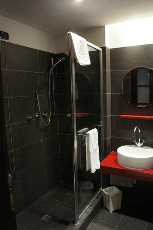 IH Hotels Milano Watt 13 : Sdb